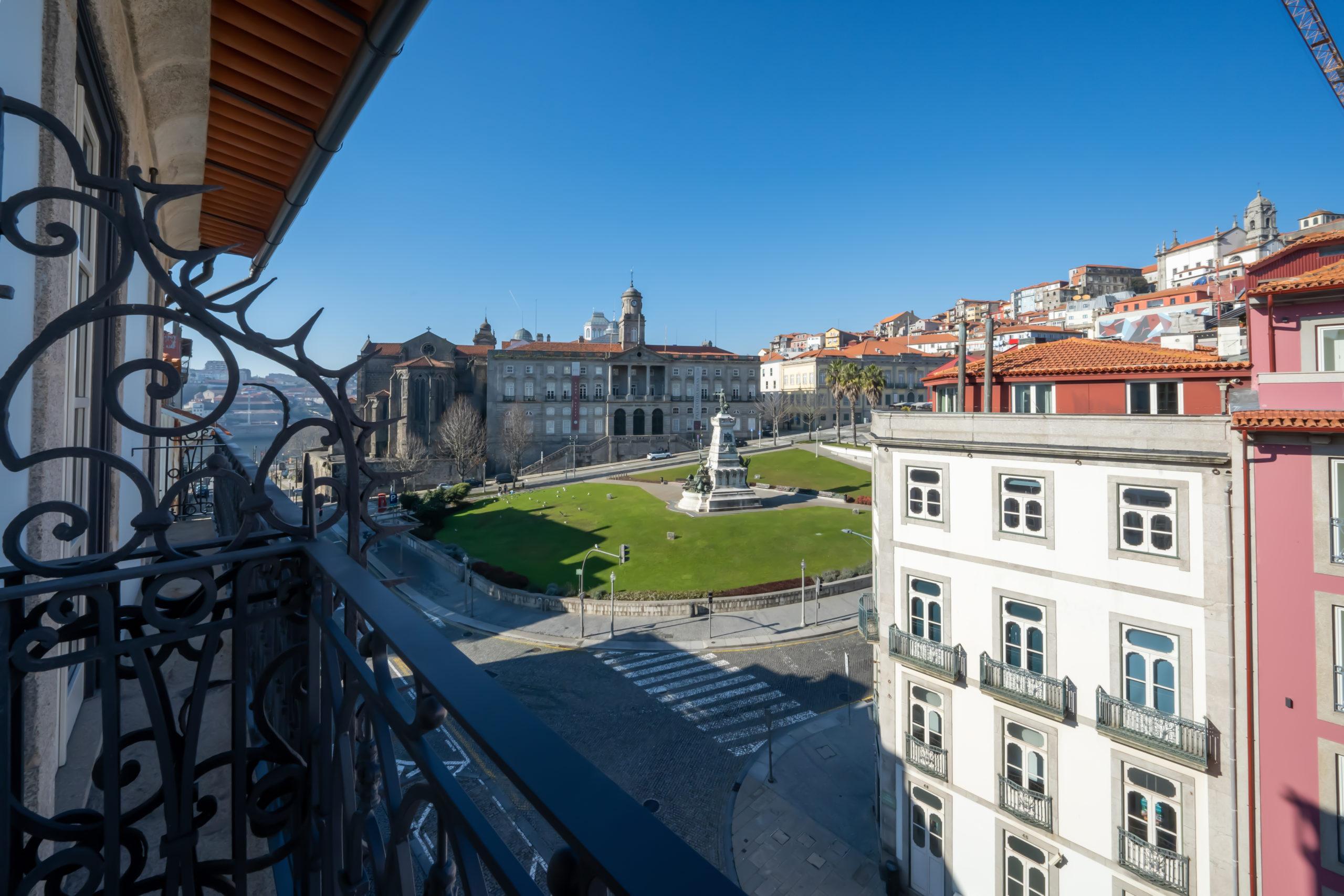 Продажа квартир в португалии астана дубай перелет